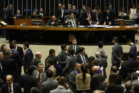 Câmara Federal inicia debate e votação da PEC que altera regras para eleições para vereadores