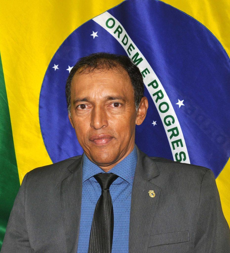 EDELTON RÉGIO PEREIRA DE ARAÚJO (PDT)